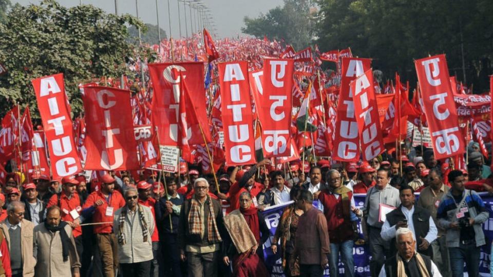 250 millions de travailleurs et d'agriculteurs indiens font grève, battant  un record mondial - Ça n'empêche pas Nicolas